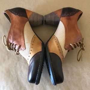 Spring Step Shoes - L'ARTISTE BY SPRING STEP Bootie Ankle Boots MINT!